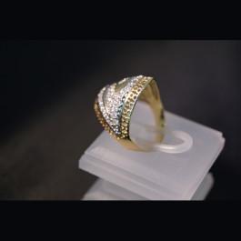 Ring mit Zirkonia Steinchen 262